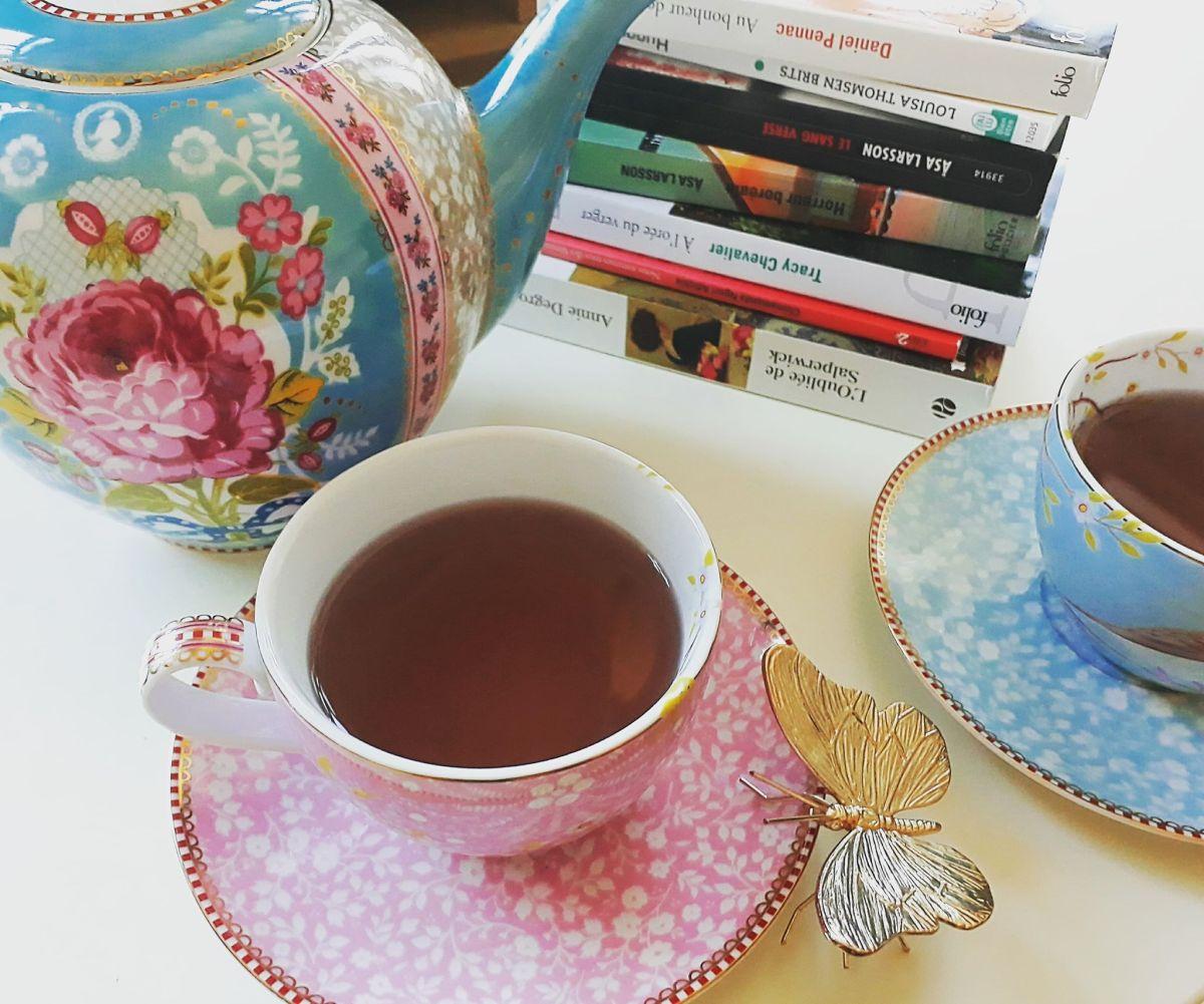 Tea book tag!
