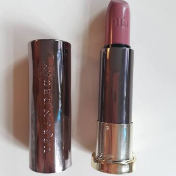 urban-decay-vice-lipstick-comfort-matte-backtalk3